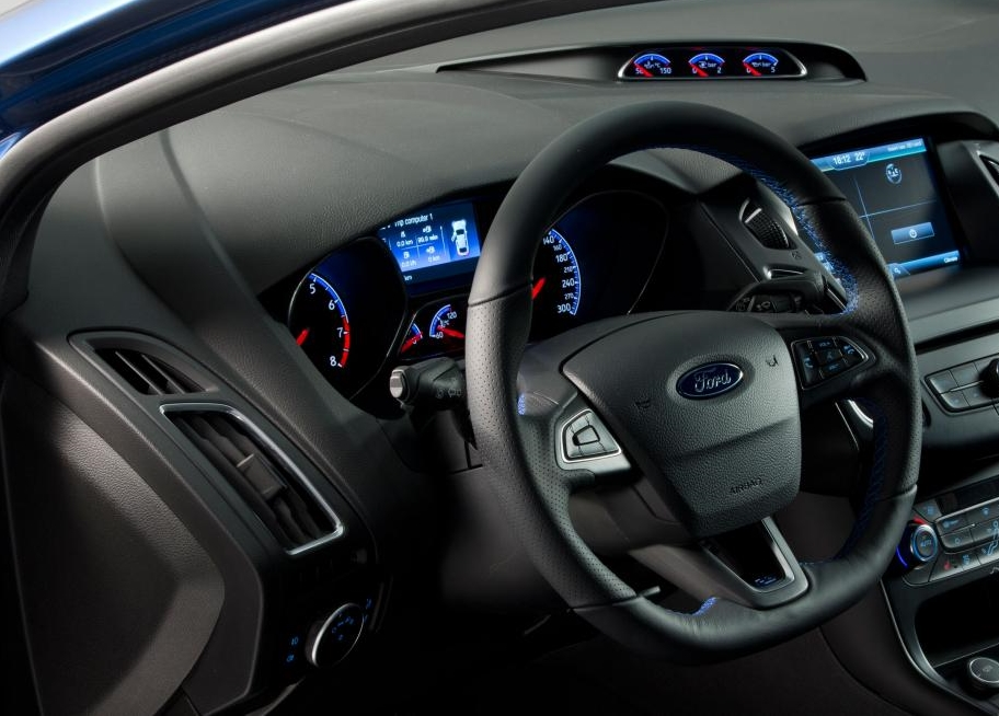 new ford focus RS 2016 interior