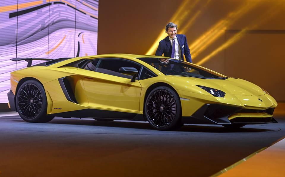 Lamborghini Aventador SV yellow geneva.jpg
