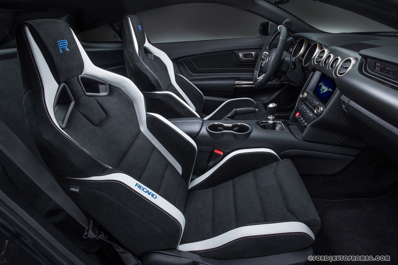 Ford Shelby Mustang GT350R  seats