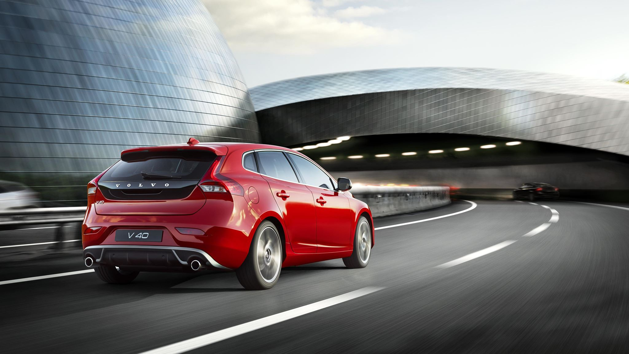 Volvo V40 hatch launched India rear
