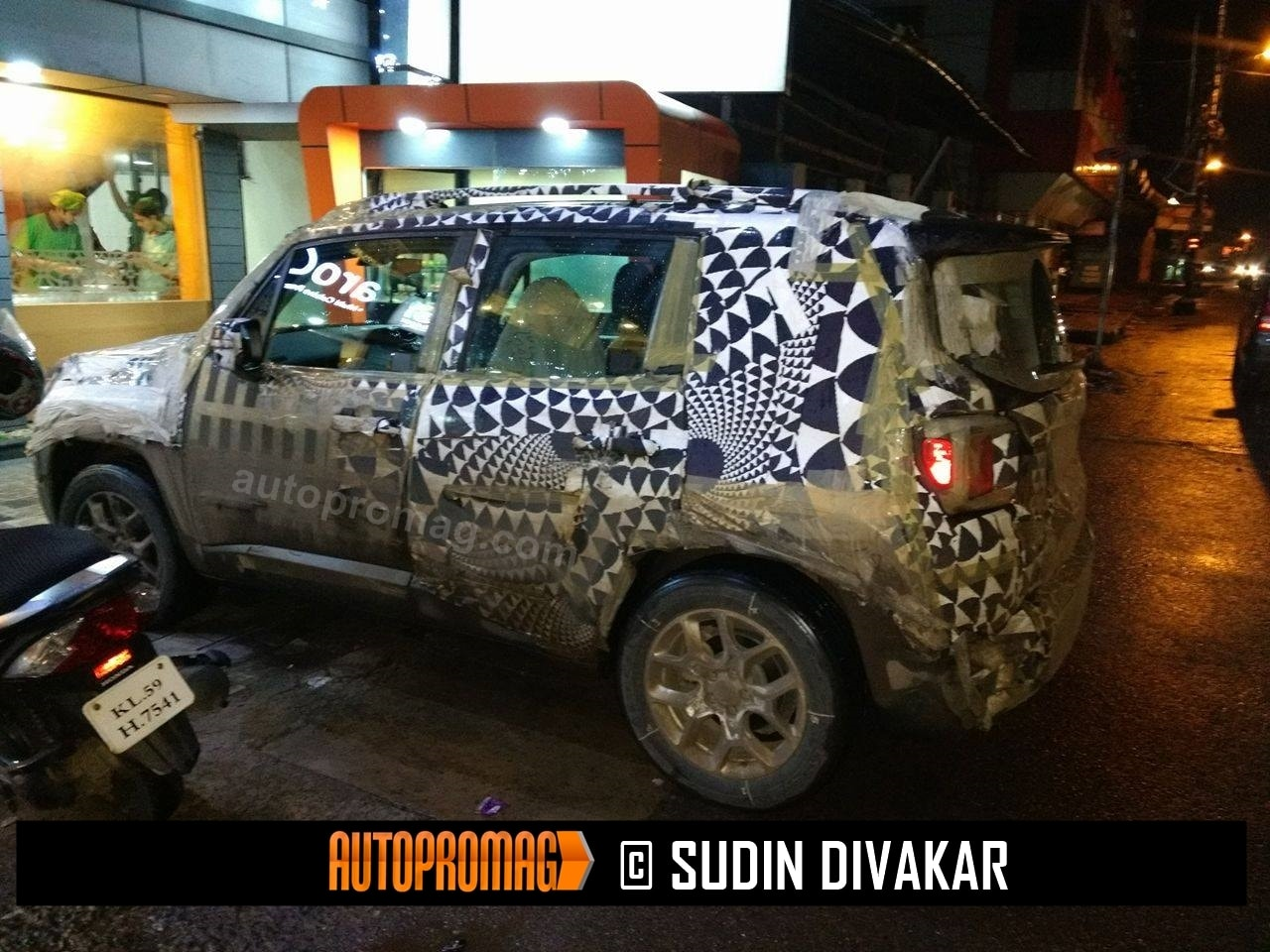 Jeep Renegade spied testing