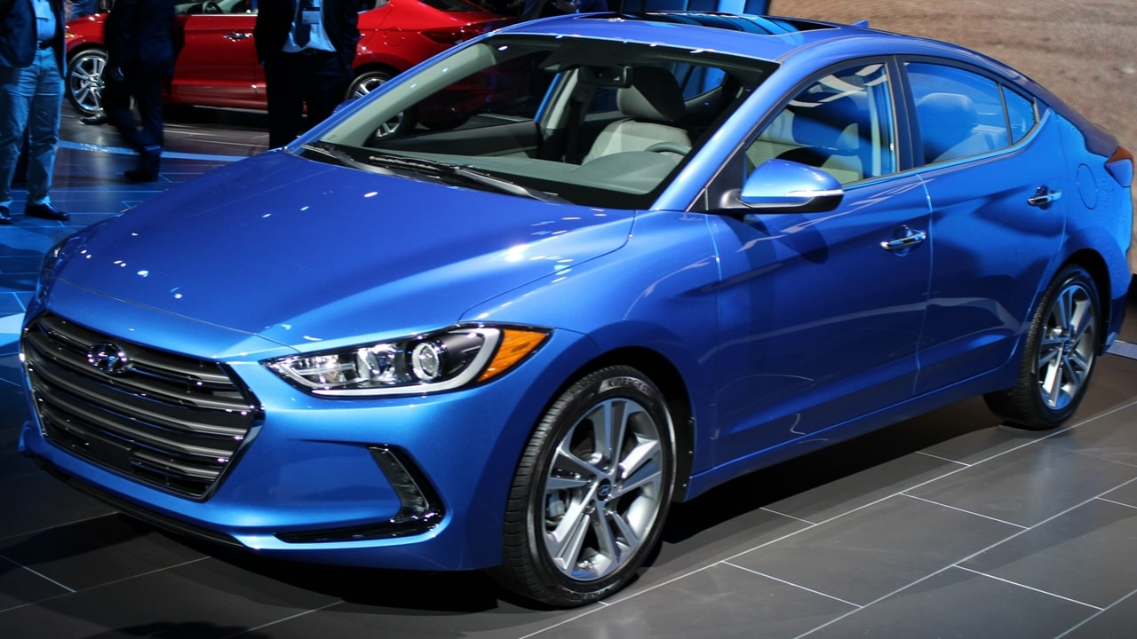 all new hyundai elantra india 2017 price specs launch images autopromag. Black Bedroom Furniture Sets. Home Design Ideas