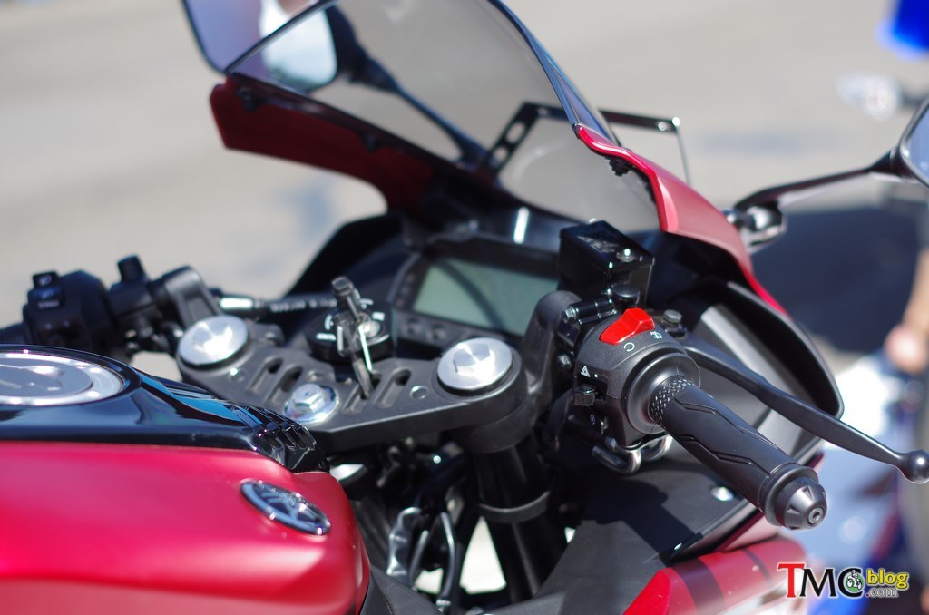 Yamaha R15 V3 Unveiled 11 Hi Res Images Specs Autopromag