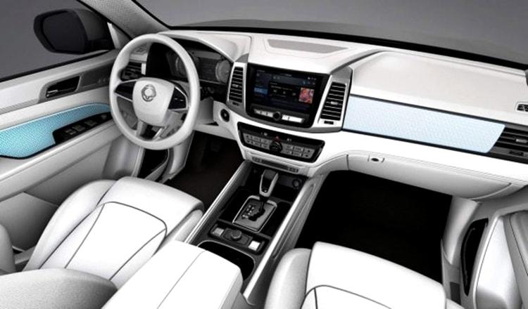 Mahindra XUV800 interior