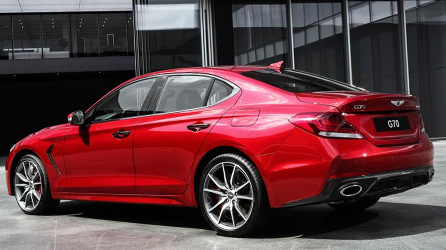 Genesis G70 red