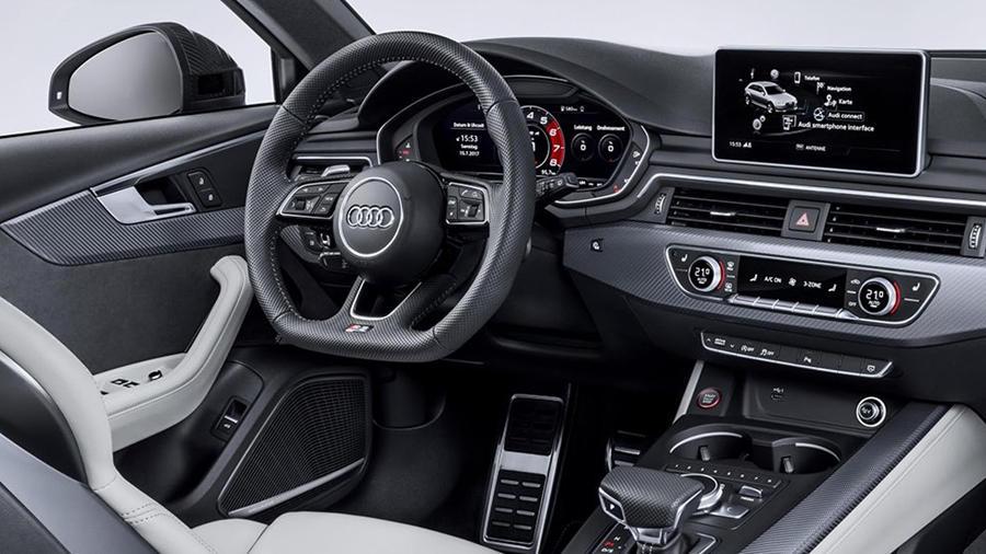RS4 Avant interior