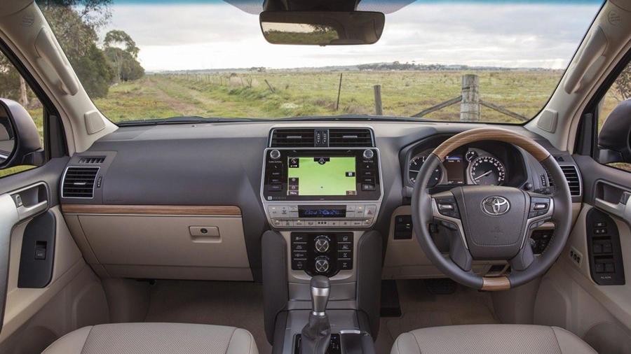 Toyota Land Cruiser interior 2018