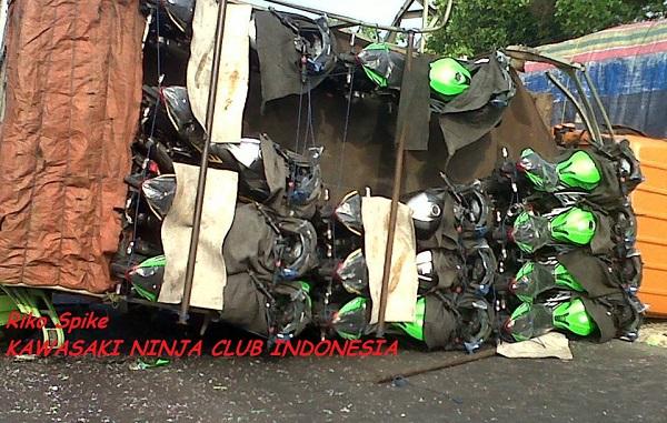 ninja lorry overturns