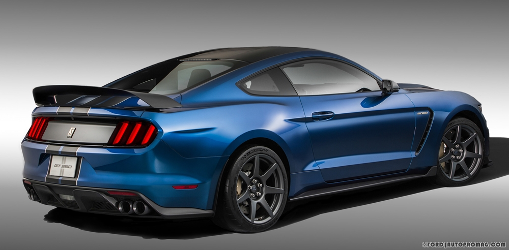 Ford Shelby Mustang GT350R rear