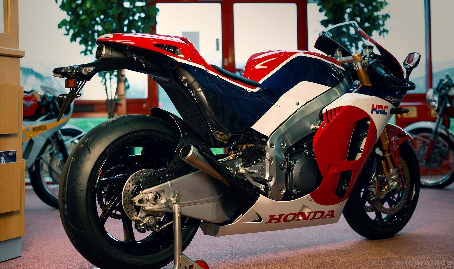 Honda-RC213V-S-Side rear