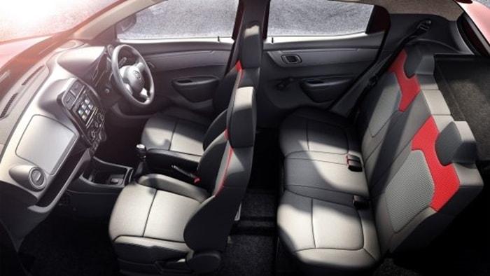 Renault Kwid 1.0 interior