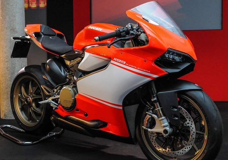 Ducati Superleggera  Specs