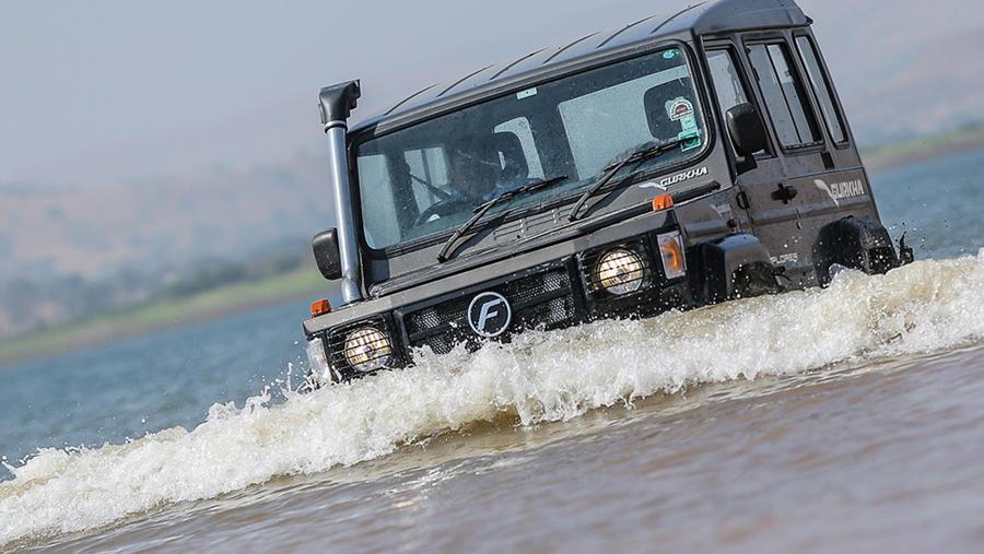 Force Gurkha water wading