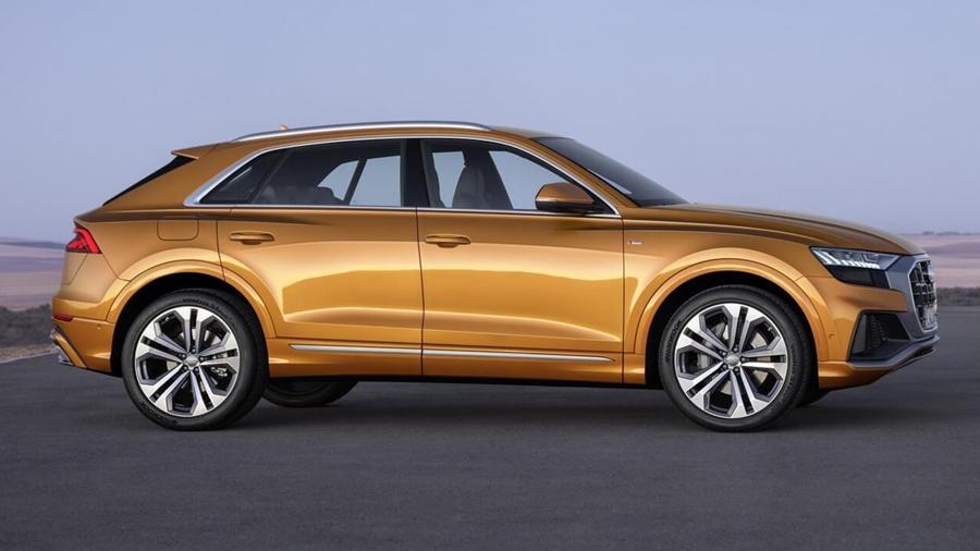New Audi Q8 sides