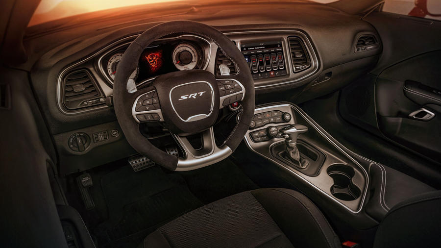 Dodge Challenger SRT Demon cabin