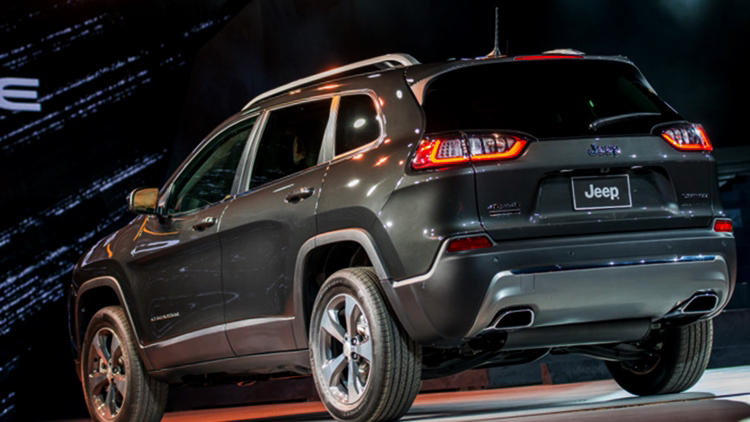 2019 jeep cherokee facelift revealed price release. Black Bedroom Furniture Sets. Home Design Ideas