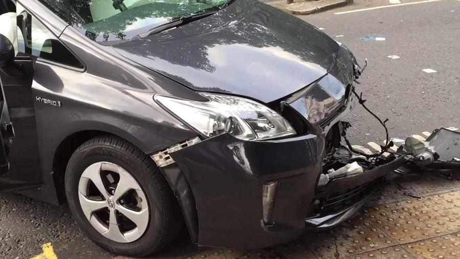 Prius crash with G wagon