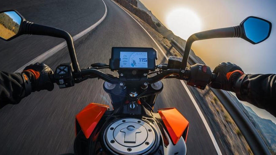 KTM Duke 390 road ride