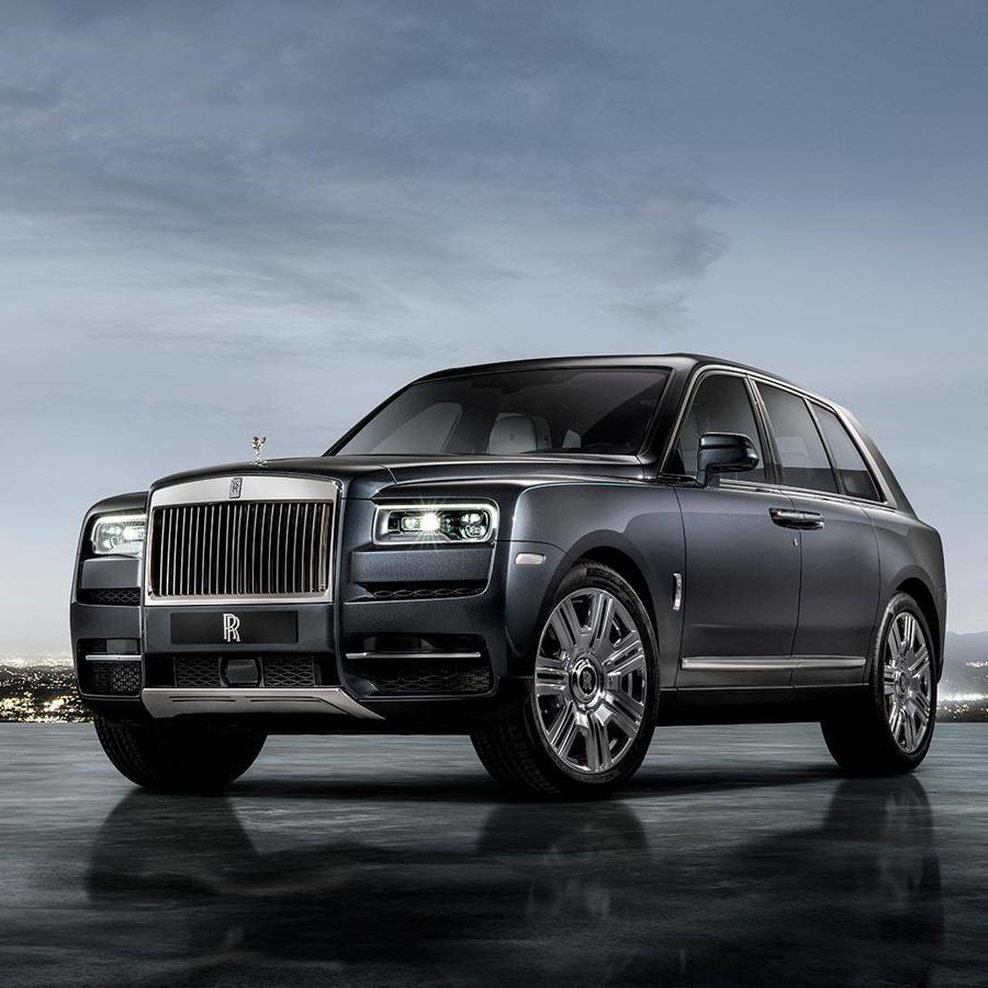 Rolls Royce Cullinan black