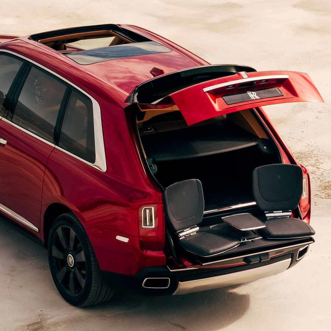 Rolls Royce Cullinan rear boot