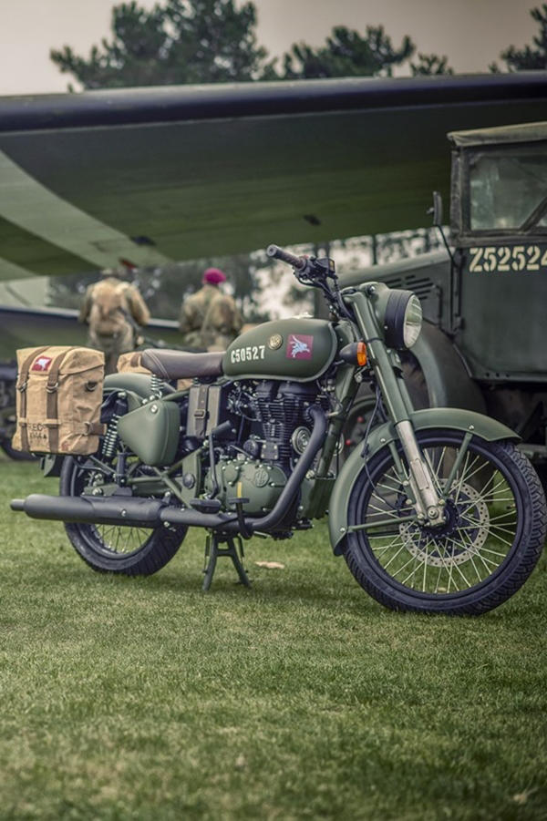 Royal Enfield Pegasus Classic 500 Military green