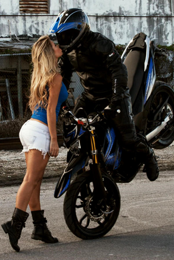UM Hypersport bike with hot model
