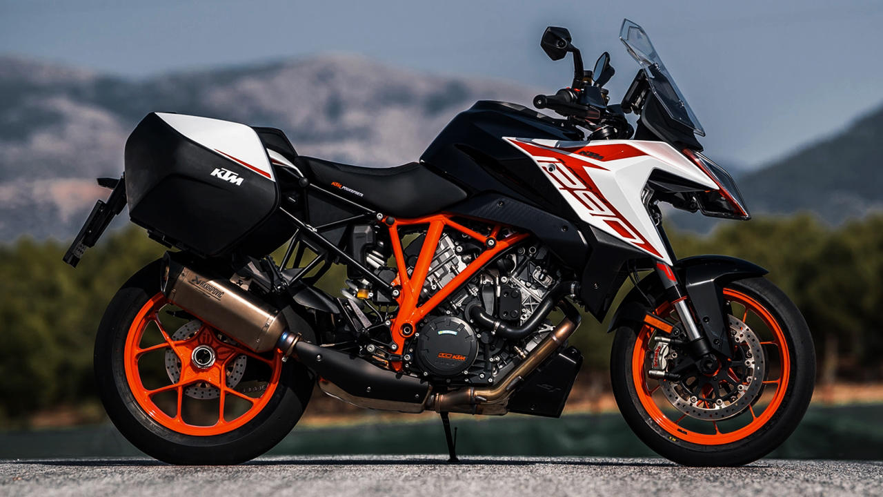 2019 KTM 1290 Super Duke GT white