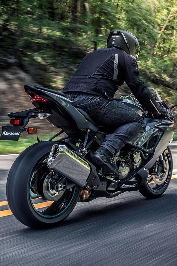 2019 Kawasaki ZX-6R rear