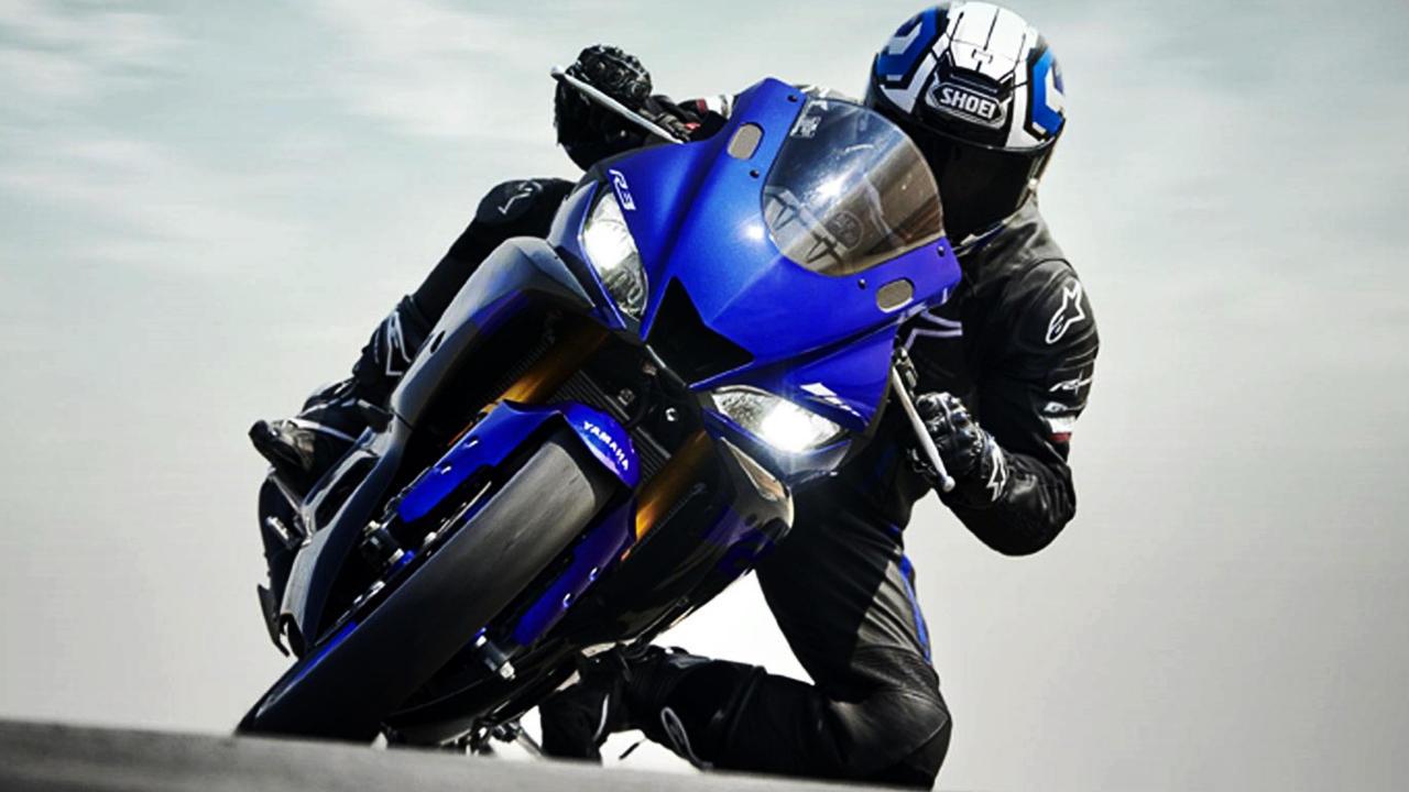 2019 Yamaha R3 rider