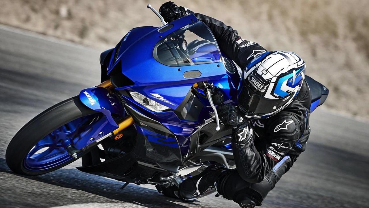 2019 Yamaha YZF R3 blue track