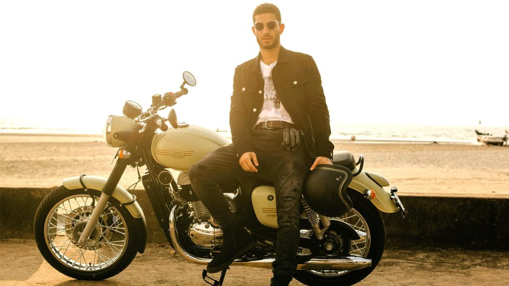 Jawa 42 rider