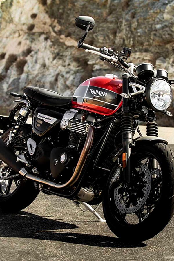 Red Triumph Speed Twin 1200