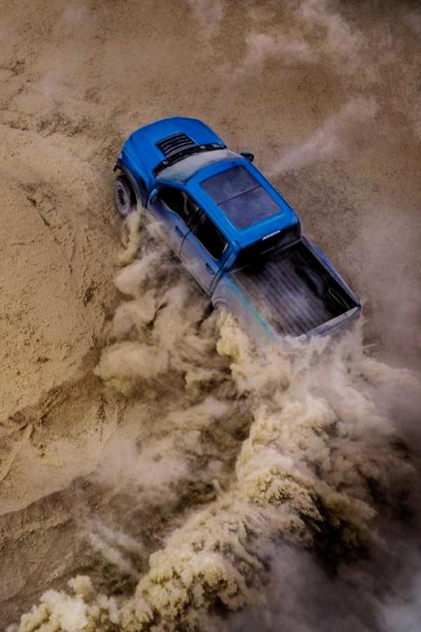 New Ford F150 2019 Dirt Stunts