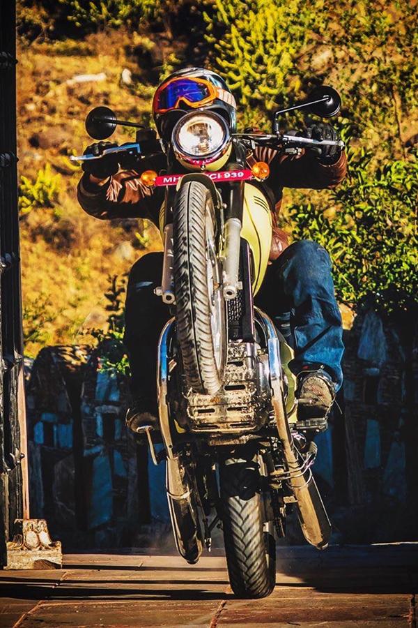 Jawa motorcycle stunts