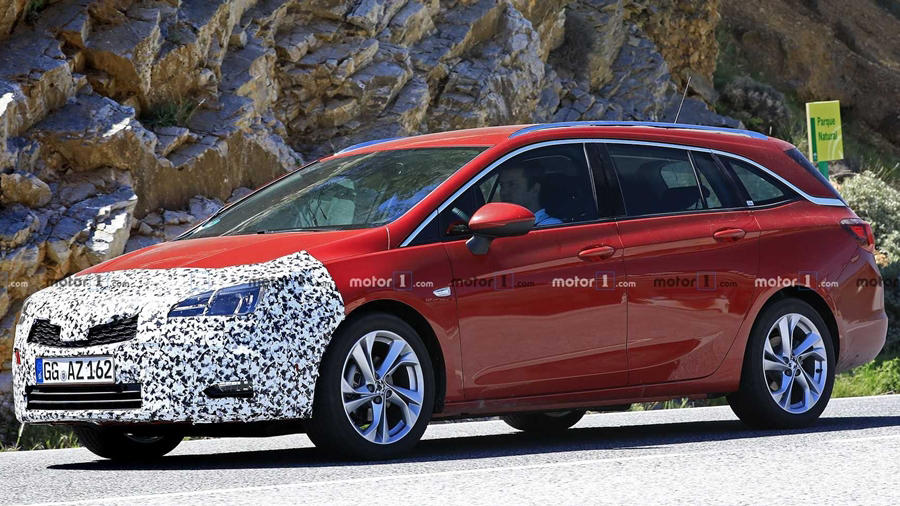 Red Opel Wagon amo